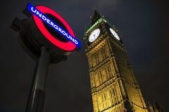 Tunnelbana- och BigBen - London symboler Arkivbilder