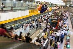 Tunnelbanan rusar Royaltyfri Bild