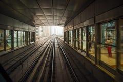 Tunnelbanastation i Dubai, UAE. Arkivbild
