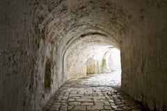 Tunneldurchgang lizenzfreie stockfotos