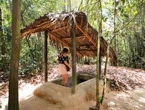 Tunnels célèbres de Chi de Cu vietnam images libres de droits