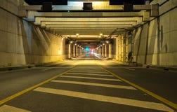 Tunneltrafik på bilhastigheter Royaltyfri Bild