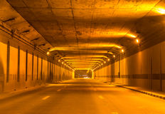 Tunnelverkehr mit Autogeschwindigkeiten Lizenzfreies Stockbild