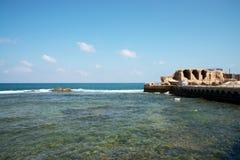 Tunnland rest av den forntida hamnen Arkivfoto