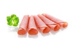 Tunt skivad kryddig kryddad torkad salamikorv Fotografering för Bildbyråer