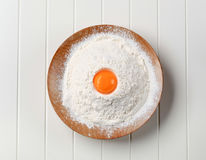 Tuorlo d'uovo e farina Immagine Stock Libera da Diritti