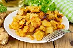 Tupinambos fritados com salsa na bacia Imagens de Stock