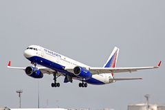 Tupolev Tu-214 de Transaero Images libres de droits
