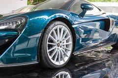 TURÍN, ITALIA - 12 DE JUNIO DE 2016: el nuevo McLaren 570GT en el soporte Fotos de archivo libres de regalías