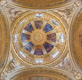 TURÍN, ITALIA - 13 DE MARZO DE 2017: El noe - cúpula barroca en la iglesia Chiesa di San José de Federico Siffredi fotos de archivo