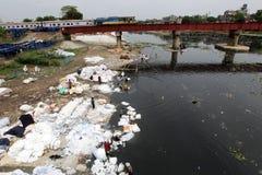 Turag在Tongi的河污染 库存图片