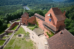 Turaida slott i Lettland Arkivfoto