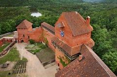 Turaida slott nära Sigulda latvia royaltyfri foto