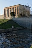 Turbigo, Μιλάνο, Λομβαρδία, Ιταλία 24 Μαρτίου 2019 Σταθμός υδροηλεκτρικής ενέργειας που βρίσκεται κατά μήκος του Naviglio Grande στοκ φωτογραφία με δικαίωμα ελεύθερης χρήσης
