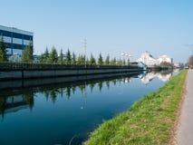Turbigo-ITALY-03 12 2014, chaminés termoelétricos da planta de Turbigo imagens de stock