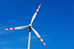 Turbina de vento de uma planta das energias eólicas para a eletricidade Fotografia de Stock