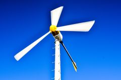 Turbina de vento no movimento Imagem de Stock Royalty Free