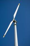 Turbina de viento de la montaña Fotos de archivo