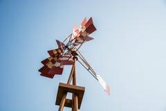 Turbina de viento roja Imágenes de archivo libres de regalías