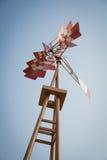 Turbina de viento roja Fotos de archivo libres de regalías