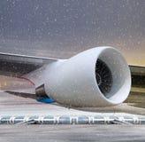 Turbina del avión en el tiempo del no-vuelo Imagen de archivo libre de regalías