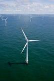 Turbina di vento in mare aperto Fotografia Stock