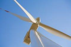 Turbina eólica com a hélice no quadro. Imagem de Stock Royalty Free