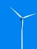 Turbina eólica no fundo azul Fotos de Stock