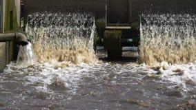 Turbina na fábrica de tratamento das águas residuais filme