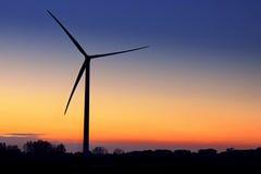 Turbina no crepúsculo fotografia de stock royalty free