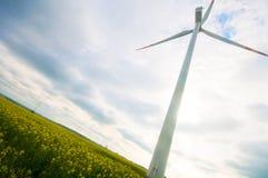turbina śródpolny zielony wiatr Obrazy Stock