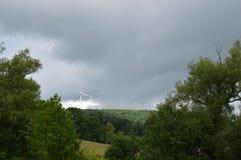 Turbinas de vento no campo verde Imagem de Stock Royalty Free