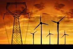 Turbinas de viento con la línea eléctrica Fotografía de archivo libre de regalías