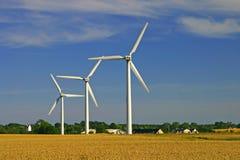 Turbinas de viento en campos Imagen de archivo libre de regalías