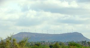 Turbinas de viento en el parque del viento Fotos de archivo libres de regalías