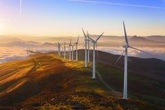 Turbinas de viento en el parque eolic de Oiz Foto de archivo libre de regalías