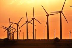 Turbinas de viento en fila Fotos de archivo libres de regalías