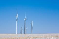Turbinas de viento en invierno Fotografía de archivo libre de regalías