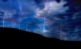 Turbinas de viento en tormenta eléctrica Imagenes de archivo