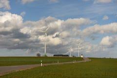 Turbinas del molino de viento de la energía renovable Imagen de archivo libre de regalías