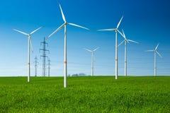 Turbinas eólicas e fiação foto de stock royalty free