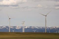 Turbinas eólicas de uma exploração agrícola de vento da energia renovável Imagens de Stock Royalty Free