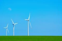Turbinas eólicas em Bulgária Fotos de Stock