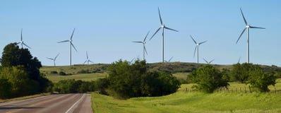 Turbinas eólicas em Oklahoma imagem de stock royalty free