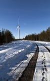 Turbinas eólicas em seguido Fotografia de Stock Royalty Free