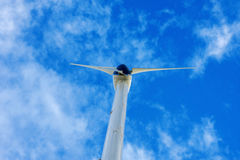 Turbinas eólicas no céu Fotografia de Stock