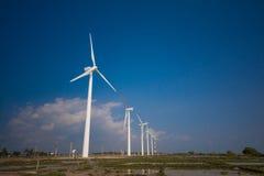 Turbinas eólicas que geram a eletricidade em Sri Lanka Imagens de Stock