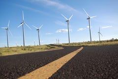 Turbinas respetuosas del medio ambiente de la energía eólica de la producción de energía Fotografía de archivo libre de regalías