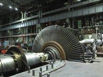 Turbine à vapeur démontée en cours de réparation de générateur à photo stock