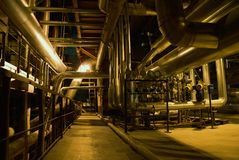 Turbine à vapeur de pipes, de tubes, de machines et  Photos stock
